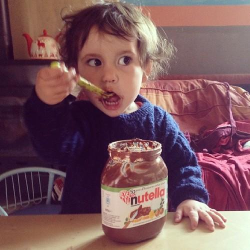 Bonjour IG. Bébé aime le @nutella je crois. #nutella