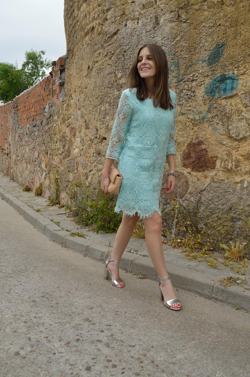 lara-vazquez-madlula-blog-pastel-chic-style