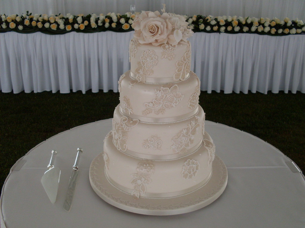 wedding cakes toowoomba elaboarte three tier wedding cakes toowoomba wedding 25726