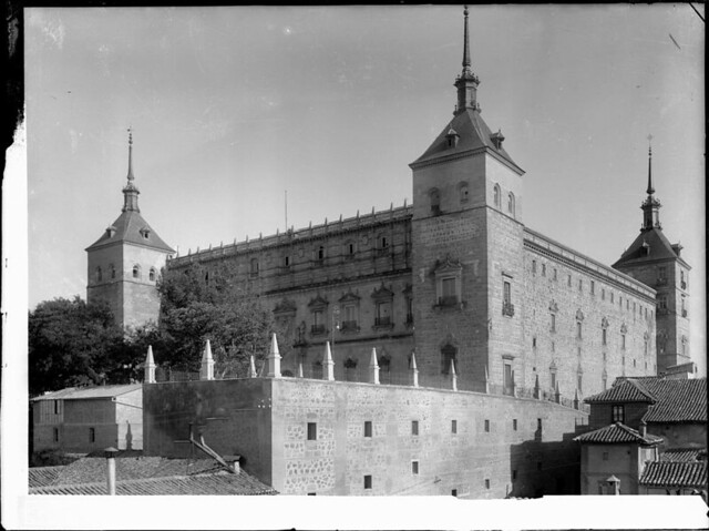 Alcázar a comienzos del siglo XX. Fotografía de J. Lacoste © MECD, Fototeca del IPCE, signatura VN-22600_P