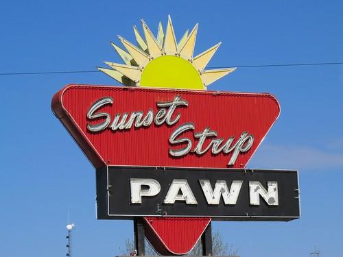 southdakota neonsign siouxfalls 12thstreet pawnshop vintagesign vintageneonsign sunsetstrippawn oldusroute16 oldhighway16