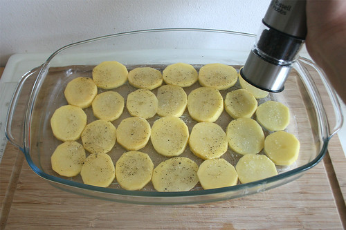 15 - Mit Pfeffer & Salz würzen / Season with pepper & salt