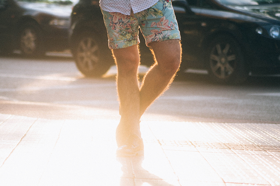 glamour_narcotico_love_me_like_XO_h&m_sunglasses_h&m_shirt_zara_shorts_zara_oxfords_outfit_menswear_fashion_blogger_streetstyle