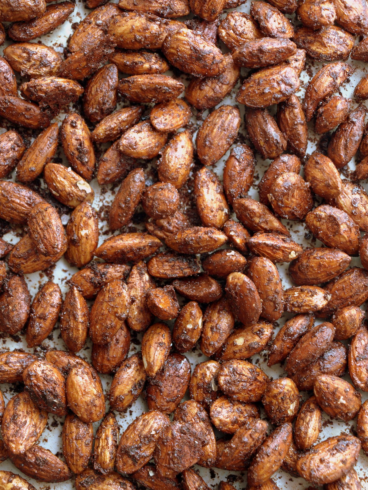 CHOCOLATE CHAI ROASTED ALMONDS