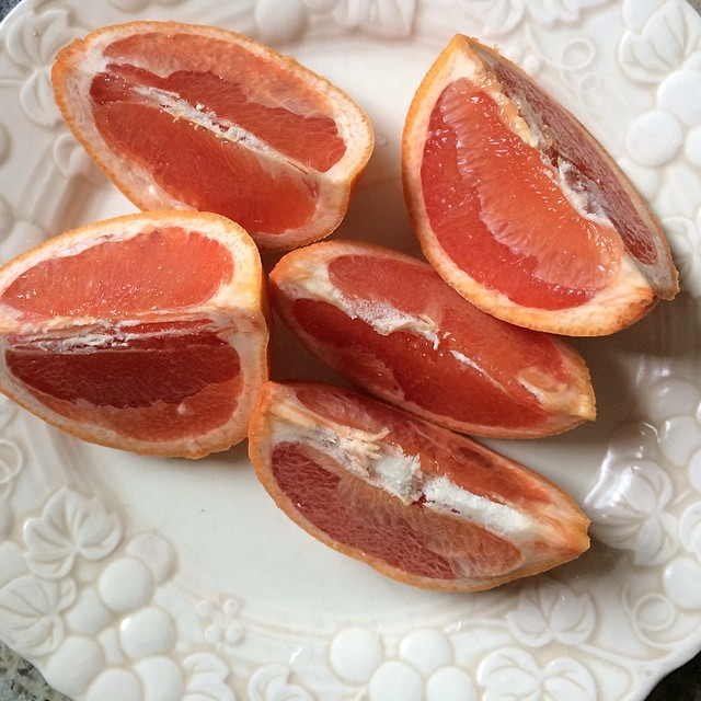 Day 13, #Whole30 - snack (grapefruit)