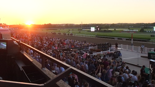 #SnapShot | Sunsets On Belmont Park As They Make One Last Dash Down The Stretch In The Final