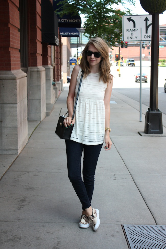 chelsea+lane+zipped+truelane+blog+minneapolis+fashion+style+blogger+urban+outfitters+babydoll+levis+535+legging+steve+madden+tnyc+blonde+salad+mellow+world+kelly2