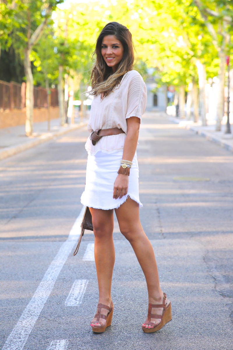 trendy_taste-look-outfit-street_style-ootd-blog-blogger-fashion_spain-moda_españa-white_skirt-falda_blanca-sandalias_cuña-wedged_sandals-15