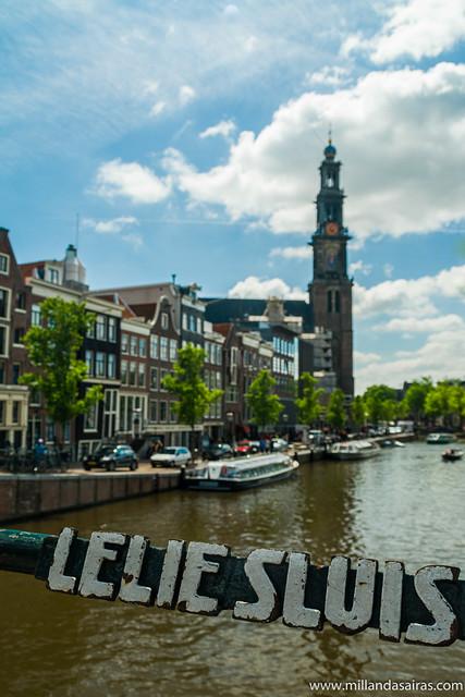 Torre de la Westerkerk desde el puente Lelie Sluis