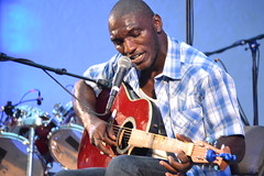 009 Cedric Burnside