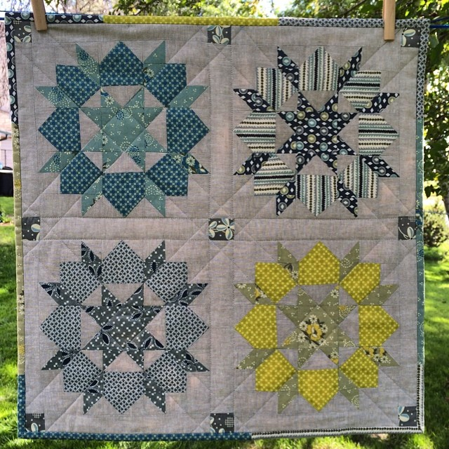 Mini swoon finished. Hope it works out for you secret partner :) #schnitzelandboominiquiltswap #makeaquiltmakeafriend #swoonminiquilt #miniquilt