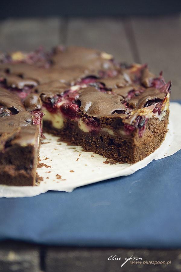 ciasto czekoladowe z wiśniami - przepis blue spoon