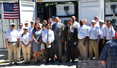 UniEnergy Technologies staff and Governor Inslee