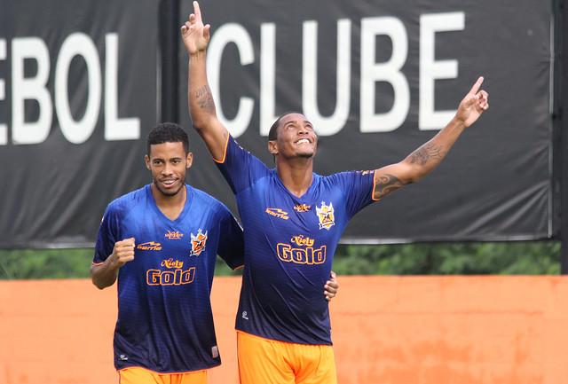 Gol de Adriano