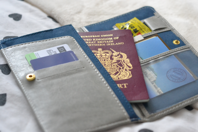 Daisybutter - UK Style and Fashion Blog: Zakka anti-skimming passport wallet, travel accessories