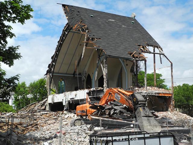 Eglise Notre-Dame-de-la-Paix demolition 6/06/14 01
