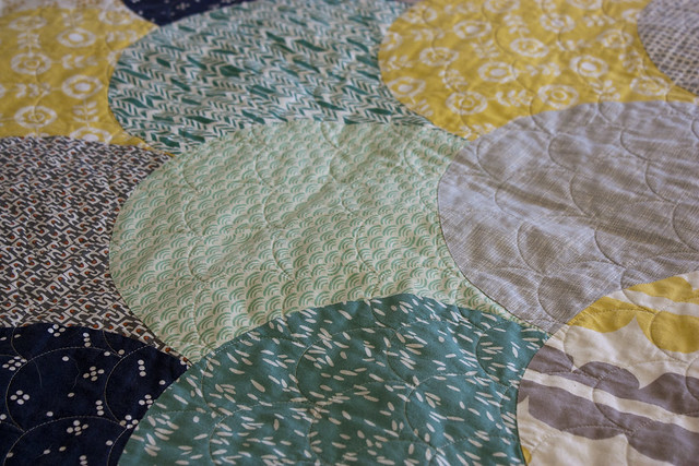 Glam Clam Quilt closeup