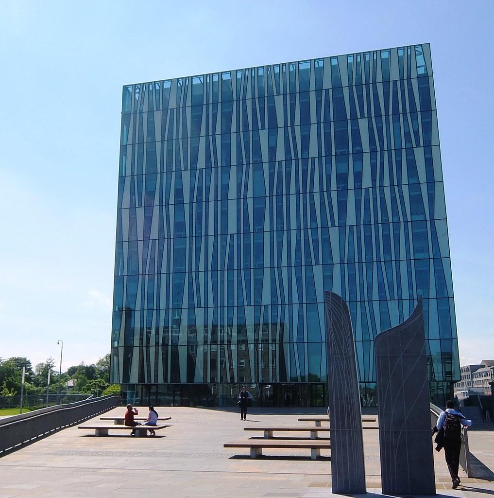Aberdeen University: Sir Duncan Rice Library