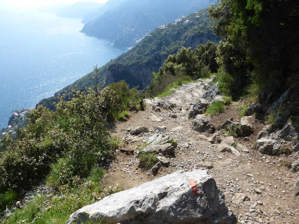 The trail along the ridge