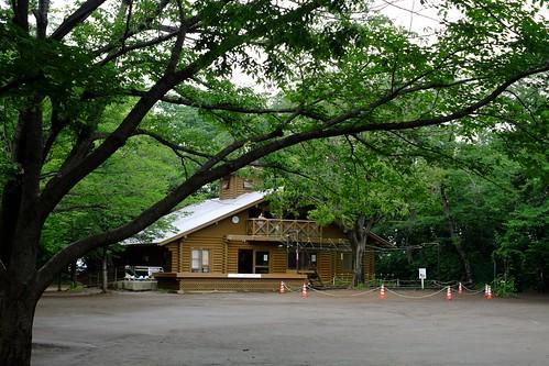 綱島公園のログハウス「モッキー」