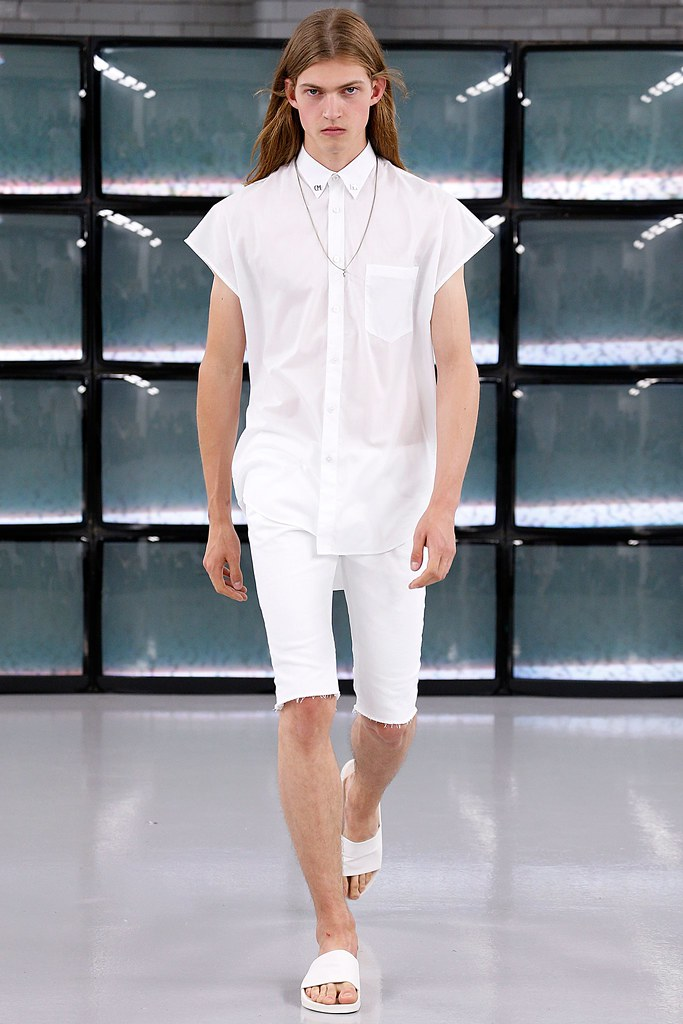SS15 London Common002_Mark Bender(VOGUE)