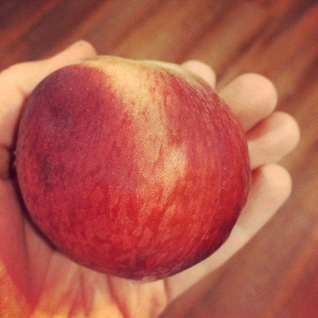 Day 11, #Whole30 - snack (peach)