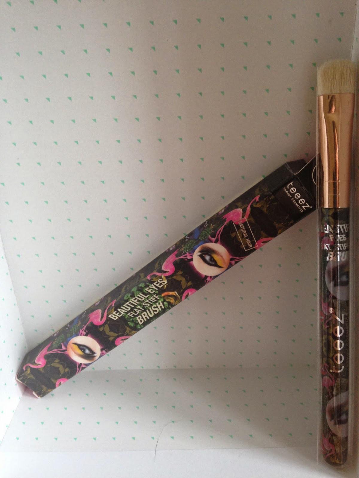 Teez Cosmetics Beautiful Eyes Flat Stiff Brush