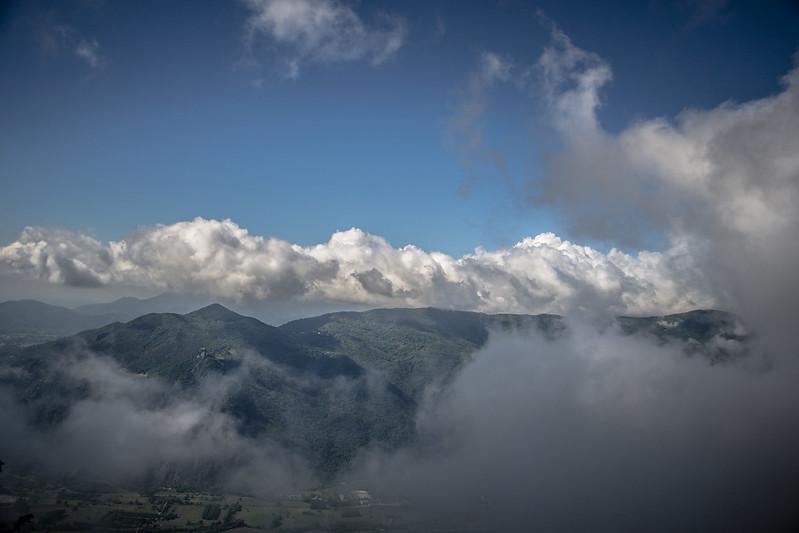 Vista della Val di Susa da Rocca Sella, nuvolosa