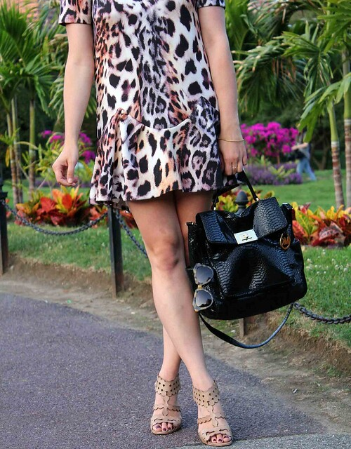 Easy-Leopard-Dress-Detail