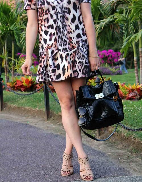 Easy-Leopard-Dress-Detail