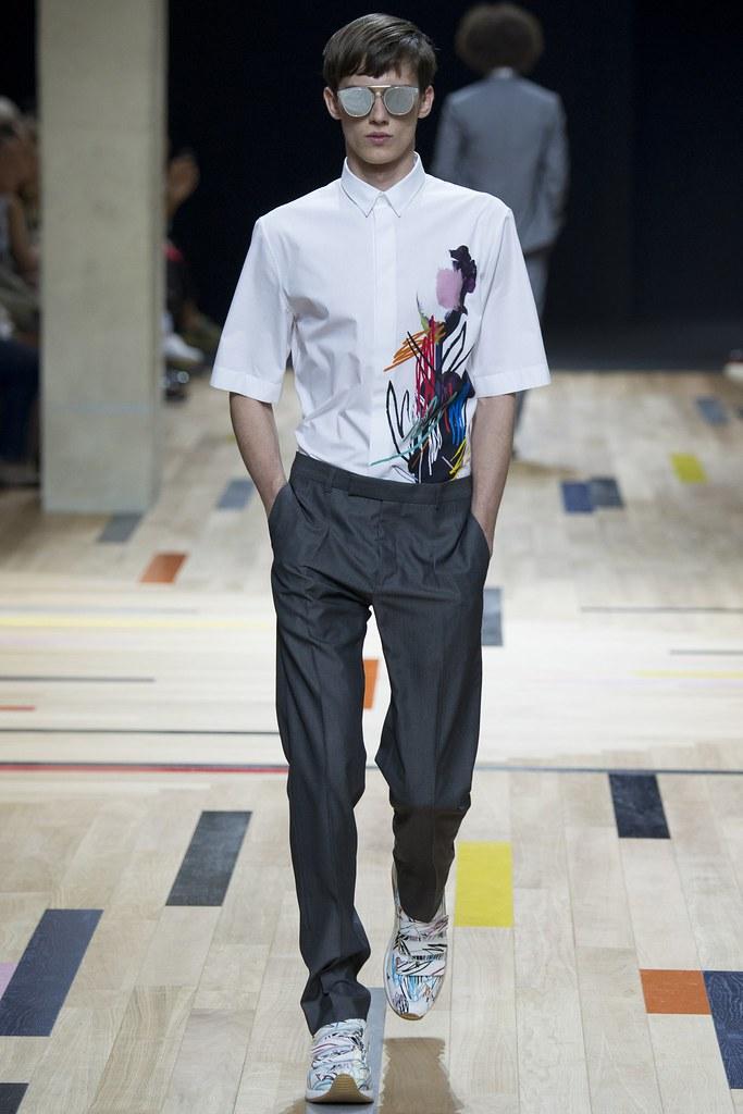 SS15 Paris Dior Homme042_Yulian Antukh(VOGUE)