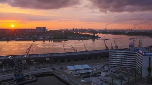 mas canoneosmark5diii sunset hdr canon belgie belgium canonef2470mmf28liiusm antwerpen antwerp handheldhdr schelde haven harbour