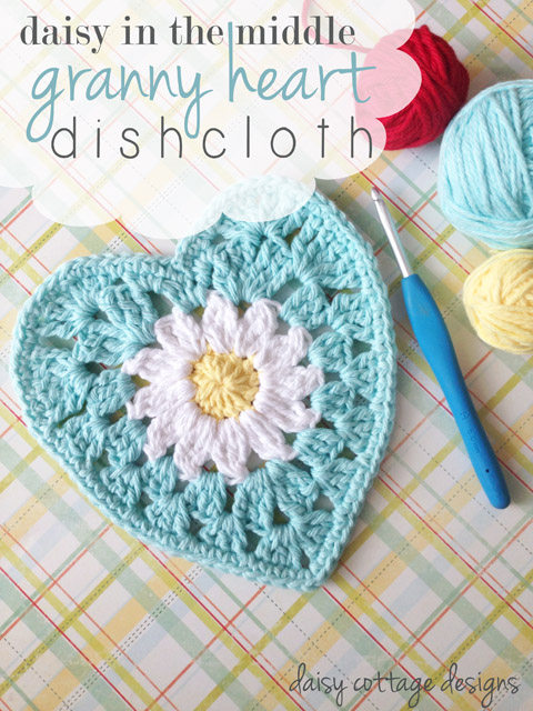 Use this free heart crochet pattern to make a gorgeous bunting for your home. Quick and adorable, this free correct pattern is available on the Daisy Cottage Designs blog.