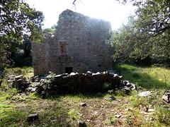 Hameau de Pruna : 3ème grande maison ruinée vue de gauche