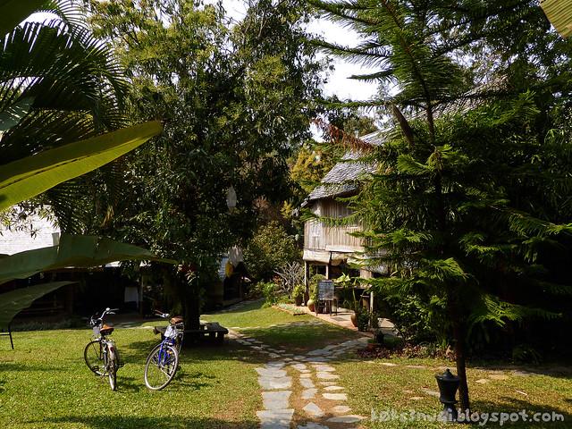 Luang Prabang Ock Pop Tock 01 Living Crafts Centre