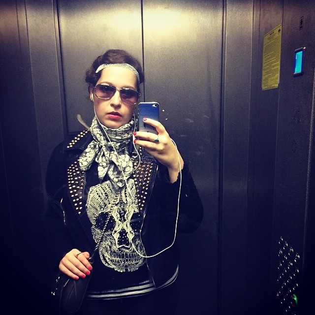#rockglamour anyone? #elevatorselfie #selfie #lookbook #lookoftheday #ootd #red #redlip #rebeccaminkoff #me #selfshot