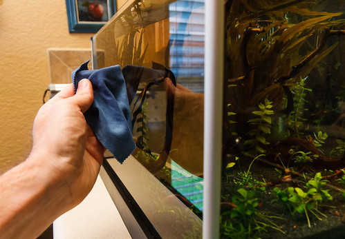 Microfiber Cloth for Cleaning Outside of Aquarium