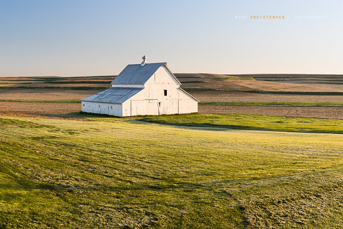 barn sunrise landscape gold dawn spring farm iowa farmland treynor