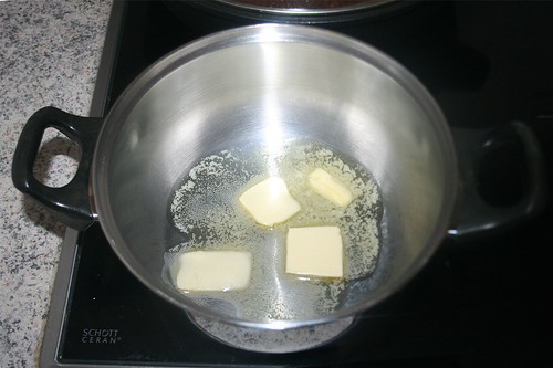 59 - Butter im Topf zerlassen / Melt butter in pot