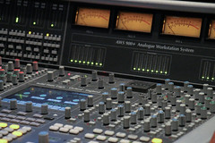 electronic device, audio engineer, mixing console,