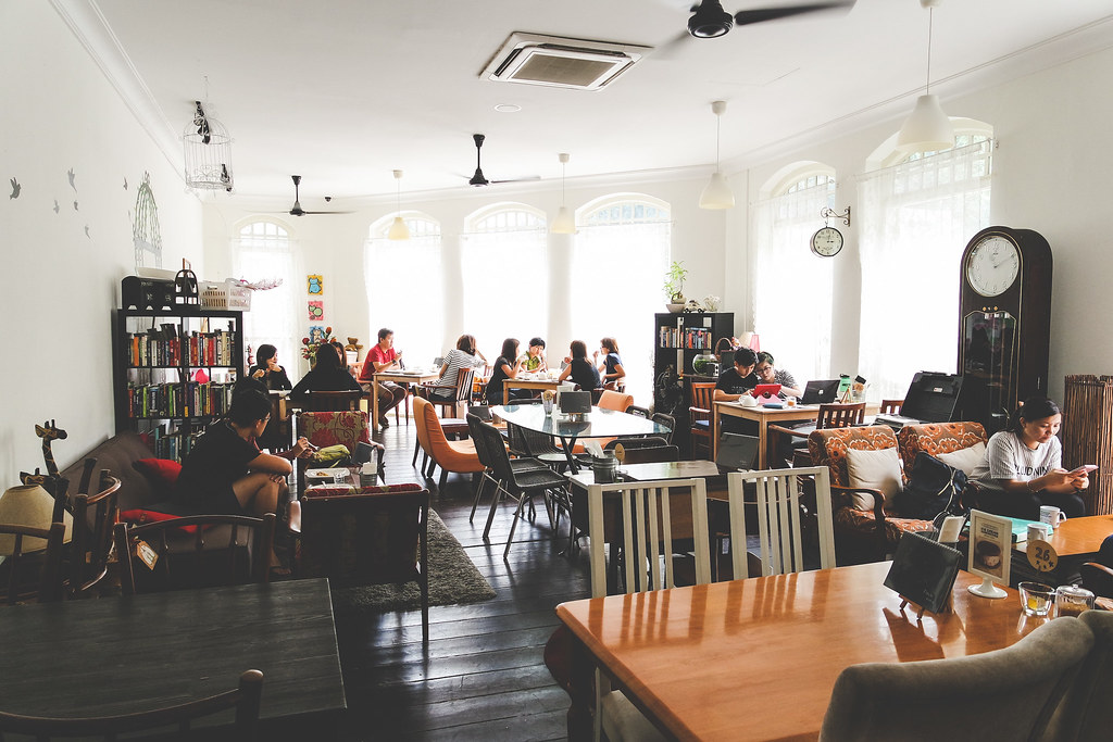 L'Etoile Cafe Interior