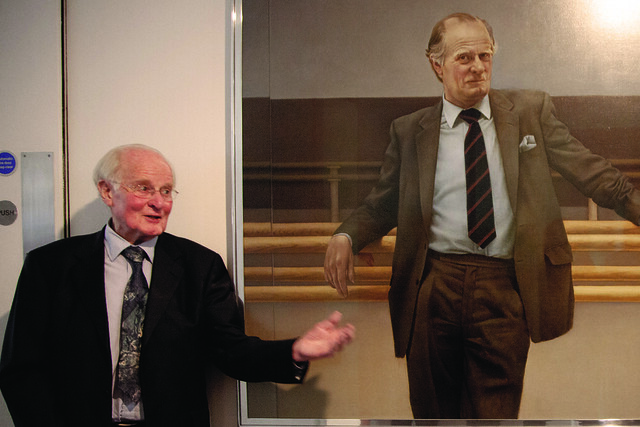 John Tooley at the unveiling of his restored portrait © ROH / Neil Gillespie 2014