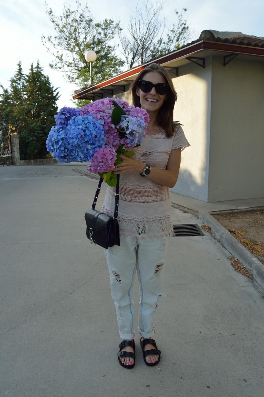 lara-vazquez-madlula-blog-style-flower-power-black-details