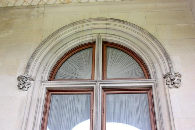 biltmore-estate-stone-carving