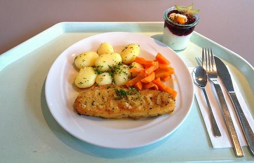 Hokifilet a la meuniere mit Karotten & Salzkartoffeln / Hoki filet a la meuniere with carrots & potatoes