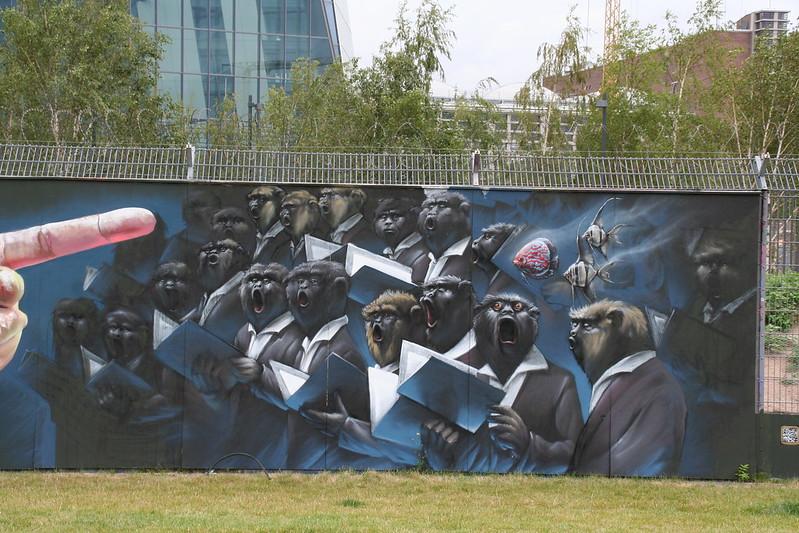 Streetart an der neuen EZB - Monkey Business