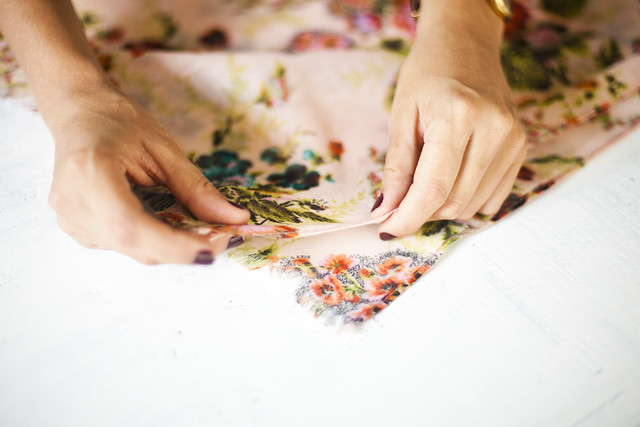 Make a kimono with absolutely no sewing! www.apairandasparediy.com