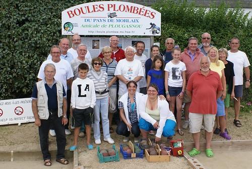Primel Trégastel (Plougasnou) : Les participants de la deuxième séance d'initiation aux boules plombées le 16/07/2014