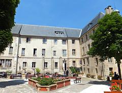Institut Catholique de Paris, France