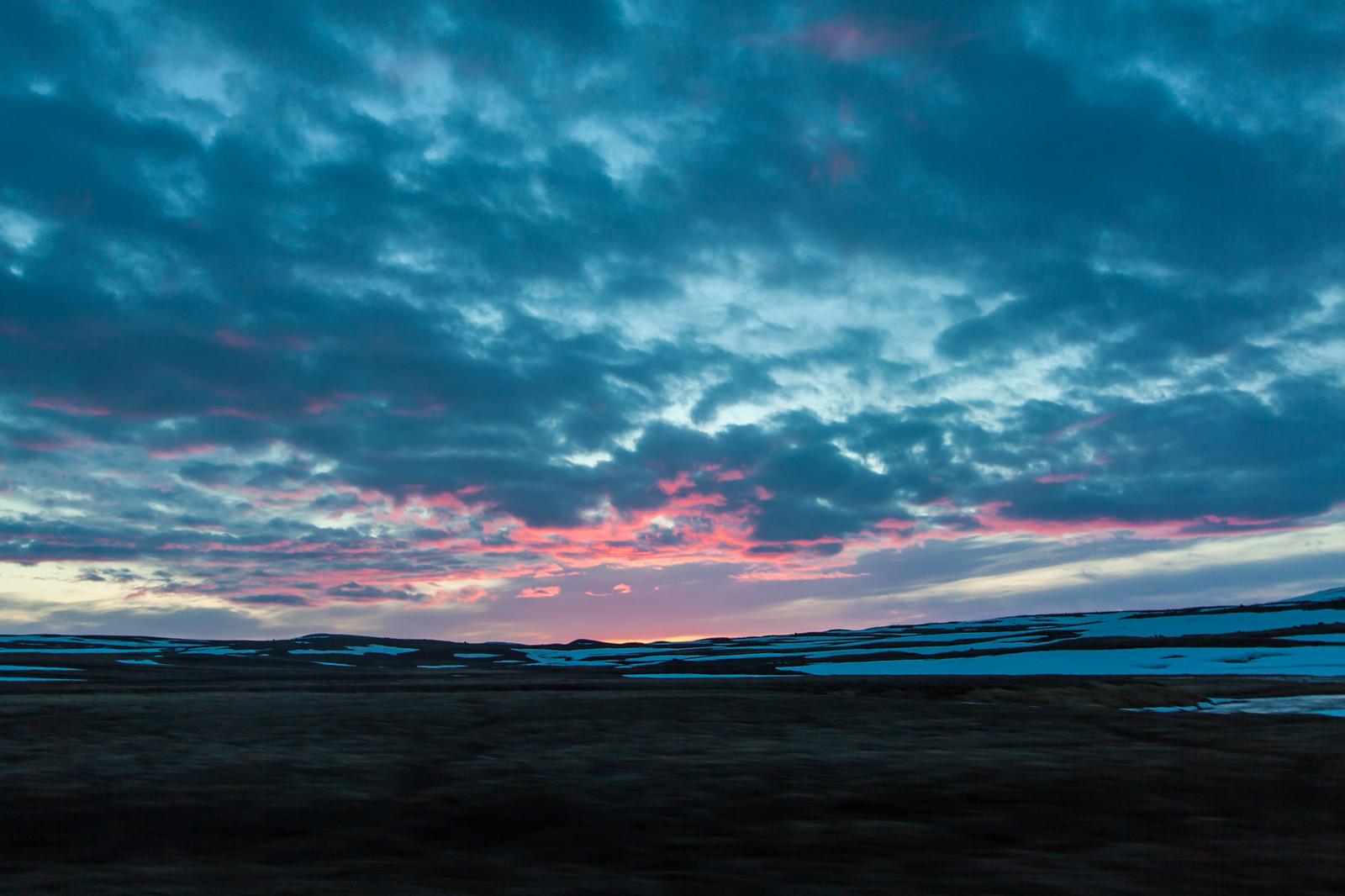 Ісландія як вона є майже опівночі